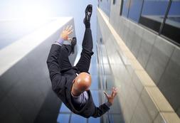 Cadere significato psicosomatico e sogno di caduta
